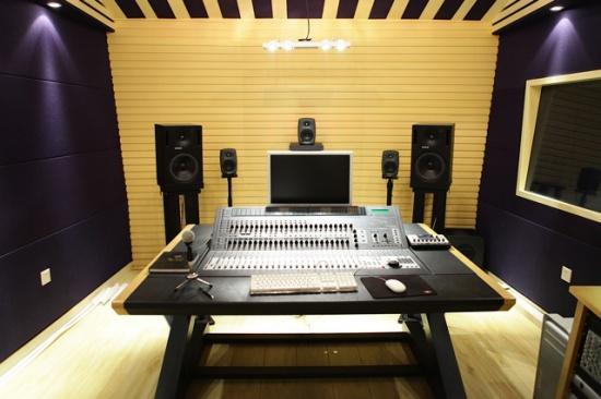 谈到录音棚当初的系统设计