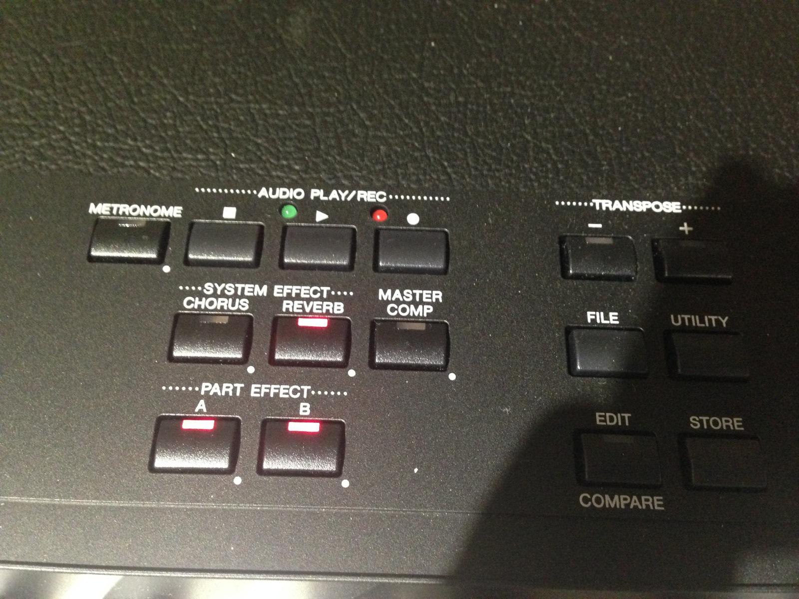 内置一个音频播放器,也可录制你的演奏,带节拍器,带混响,合唱和压缩图片