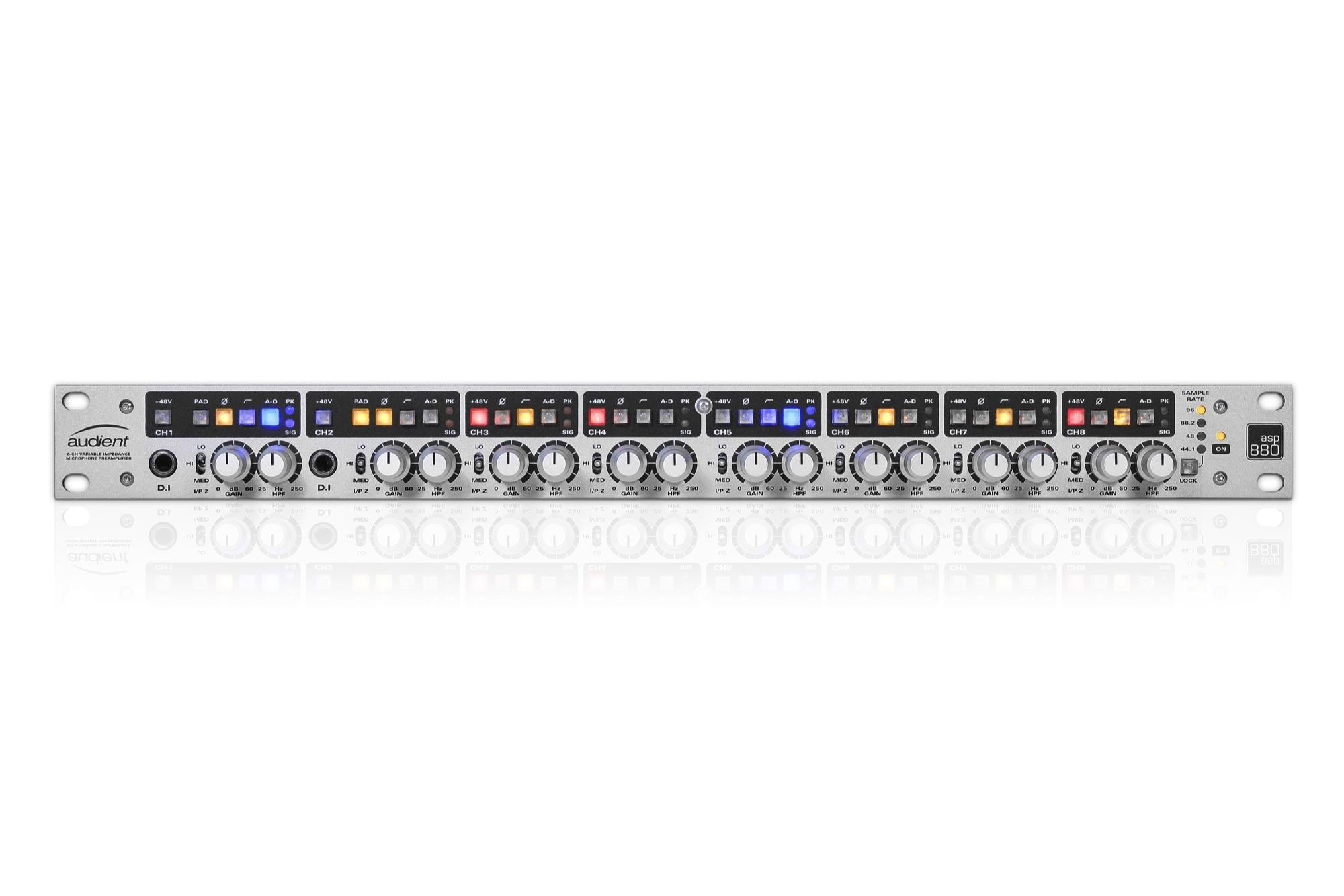 ASP880 是一款新的八通道麦克风前置放大器兼 ADC,这是自该公司在 2013 年年末收购 Simon Blackwood 后的首个产品。  ASP880 具备 Audient 著名控台的八个麦克风前置放大器,两个 JFET D.I 乐器输入,纯正的转换器技术,数个阻抗以及数个高通滤波器,多种功能都囊括到了一个 1U 机架设备中。 Audient 首席技术主管 Tom Waterman 解释说: 已经收到了来自 Audient 用户的必要反馈。结果是,我们密切与 David Dearden 合作开发了