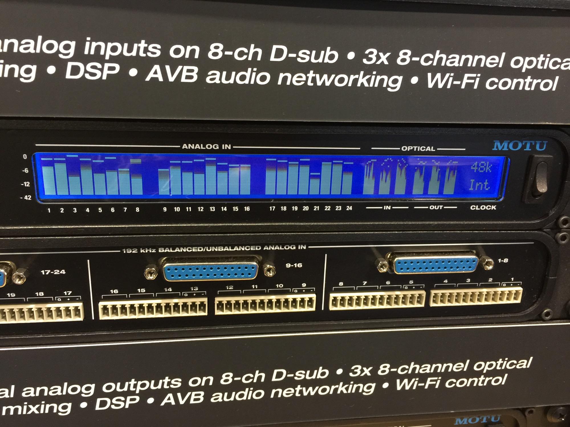 0音频接口,都具备24通道输入/输出的adat光纤
