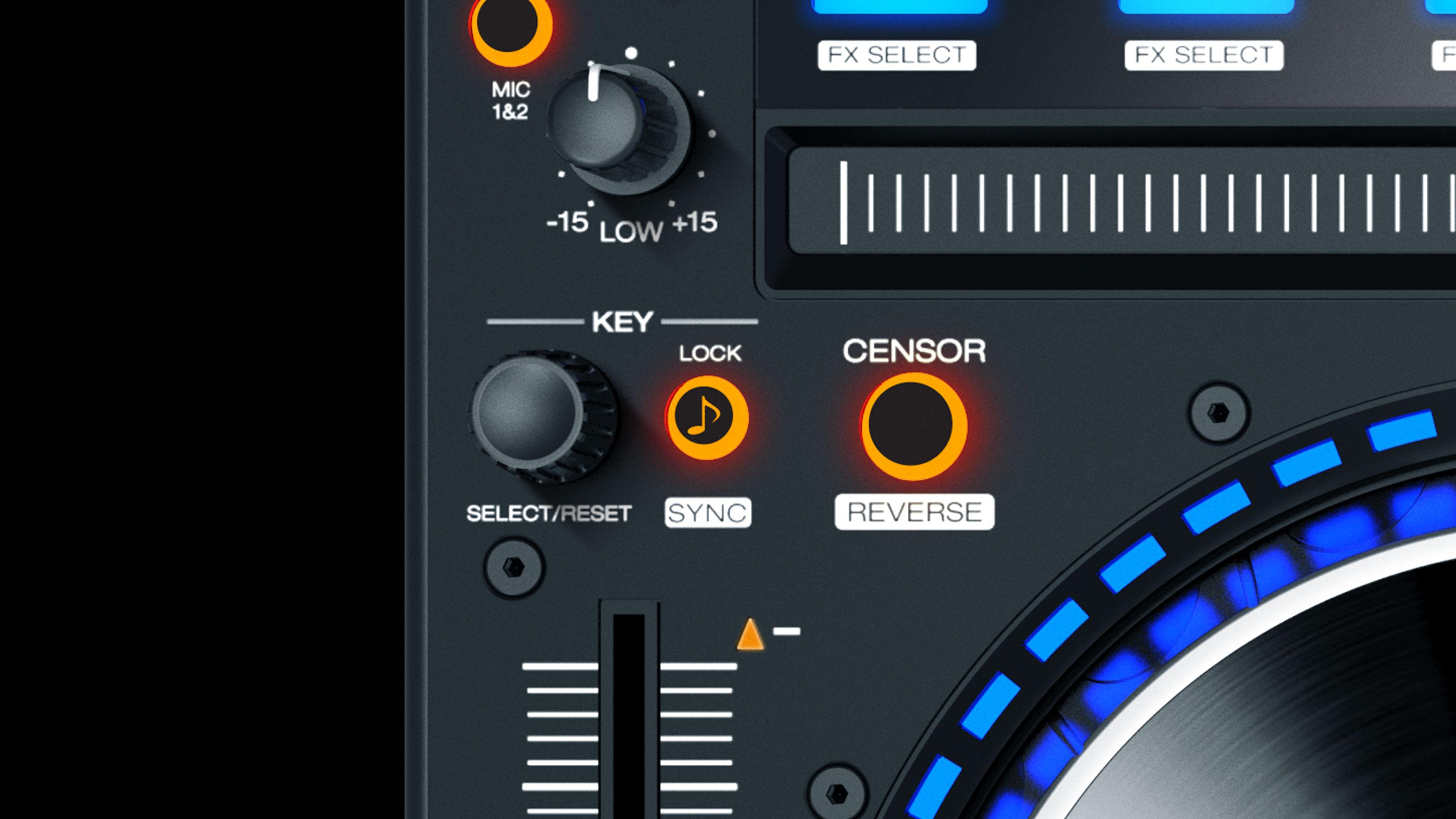 Denon DJ 已经满血复活,复出后的首秀 MC8000 已经赚足了眼球。在 DJ Expo 2016 上 Denon DJ 又带来了一款 MC7000 的 Serato 控制器 - 4 轨道的重型武器, 却比 DDJ-SZ 便宜了 $1000 美刀。  Denon MC7000 有着与 MC8000 类似的布局设计:2 X 6 寸转轮,16 X 彩色打击垫,直观的调性控制等等,不过精简了彩色屏幕和 U 盘插口。  没错,你可以把 MC7000 看做是简化版的 MC8000, 少了独立运行的功能机制,但