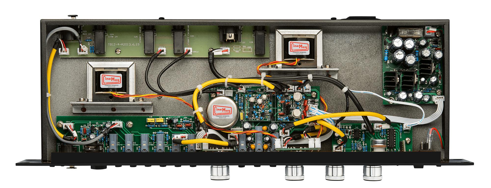 使用了顶尖的CineMag变压器和多种分立信号链路