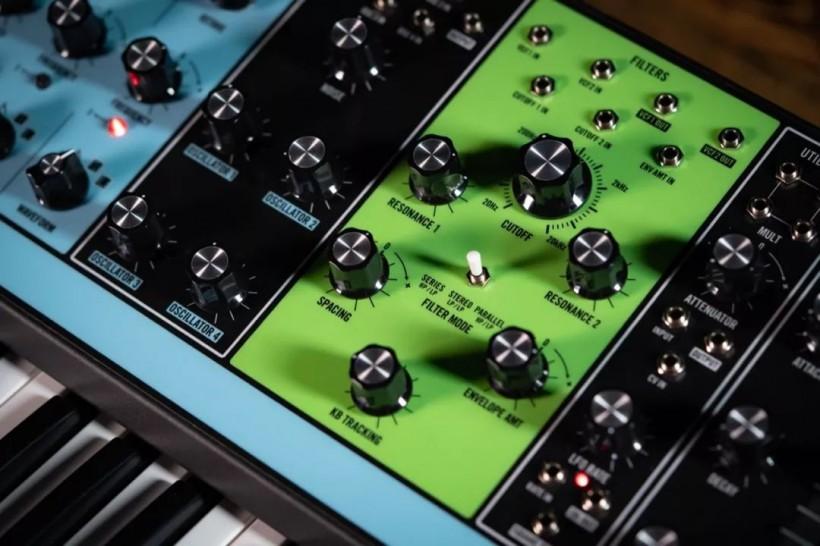 五颜六色的音色百宝箱:Moog Matriarch 合成器评测