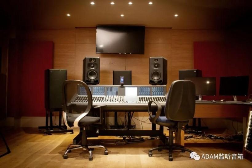 ADAM Audio 用户案例:英国萨里大学――培养专业音频工程师的冉冉之星