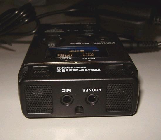 话筒和1个监听扬声器,使其适用于各种录音场合